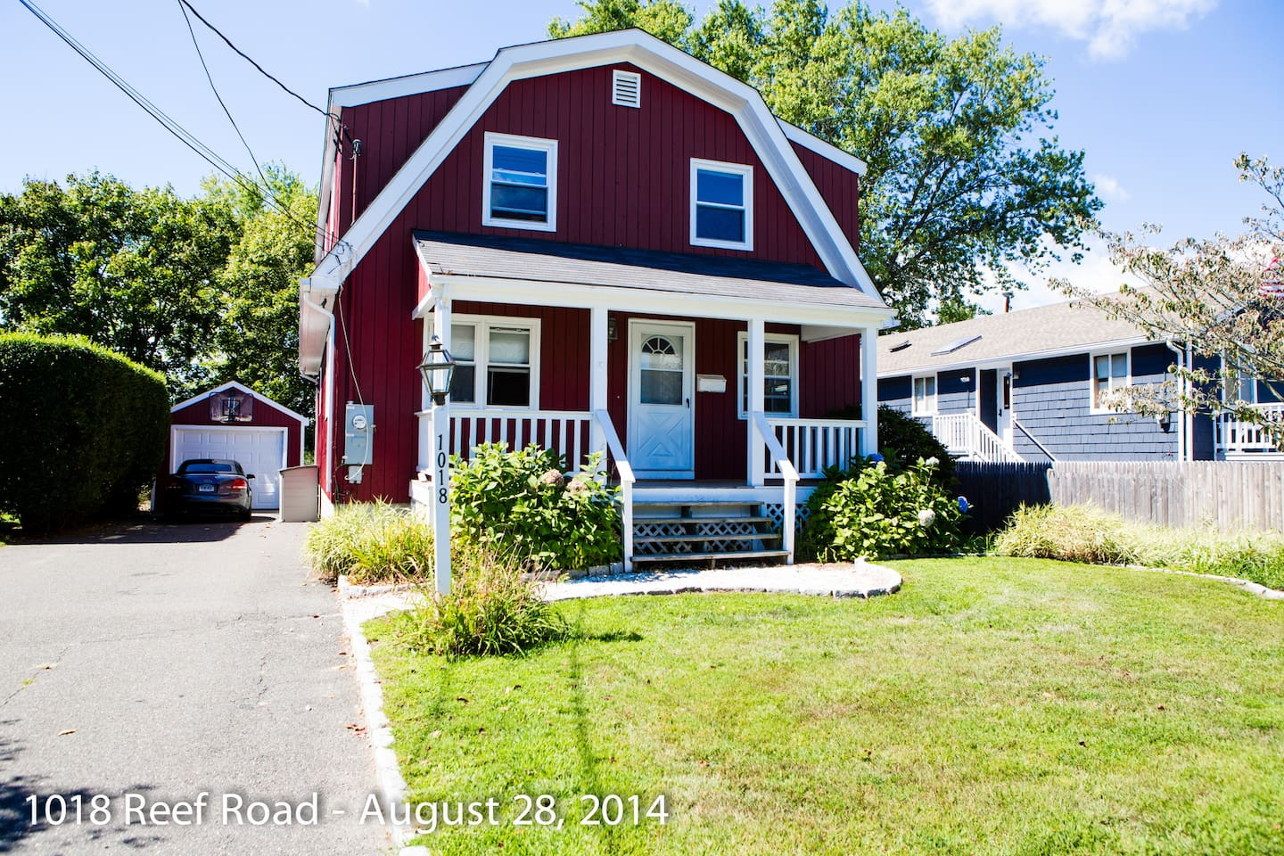 Summer Rental in Fairfield - 1800 Square feet, 3 bedroom, 2 full baths, central air, washer/dryer in the heart of Fairfield Beach area. Walking distance from Penfield Beach, one mile from the center of Fairfield and the train station.