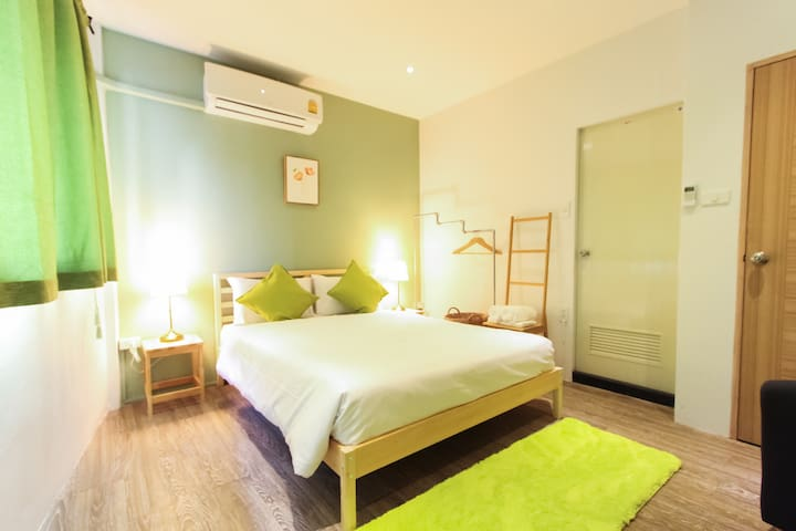 Cozy room in heart of Bangkok! - Bangkok - Bed & Breakfast