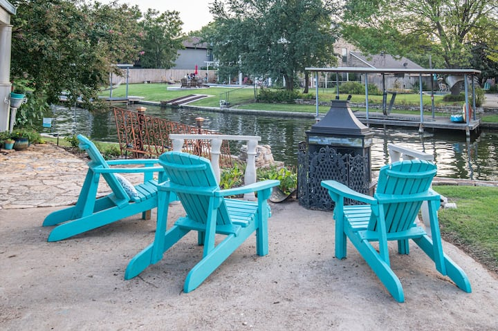 The Rock at Lake Granbury-lakeside country charm.