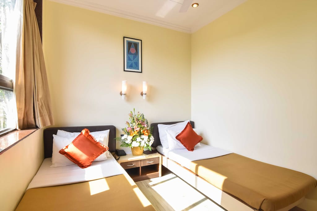 Economy room non sea facing boutique hotels for rent for Best boutique hotels in mumbai