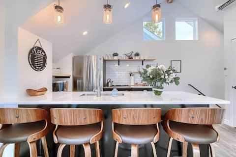 Beautiful Guest House in Hip Denver Neighborhood