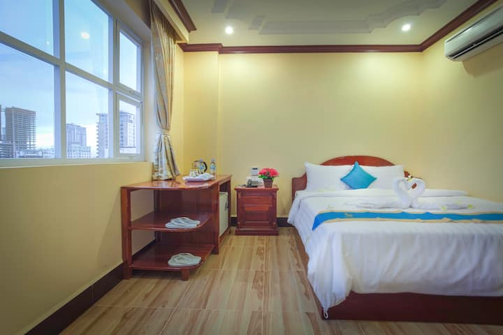 The Mou Hotel-Double Room- Free Breakfast