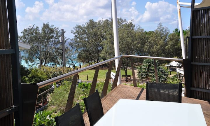 Saltwater 3 | Modern 3 bed 2.5 bath apartment, great Point Lookout headland location