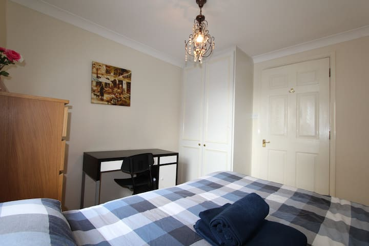 PRIVATE ROOM NEAR TOWER BRIDGE - London - Apartmen