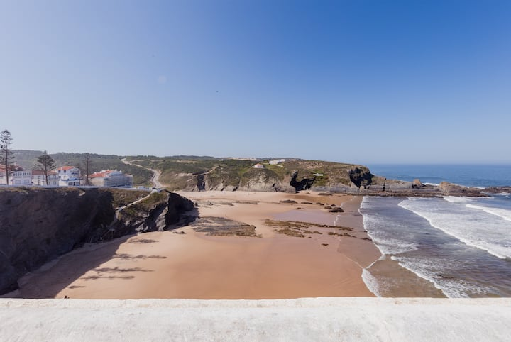 Zambujeira do Mar 4-Bed House Perfect for Families