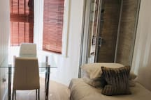 Newly decorated Single room in W.Kensington