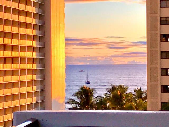 Waikiki ocean view 1 bedroom