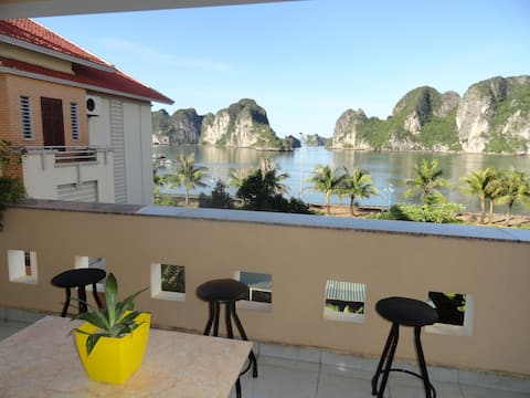 Ha Long Lily Homestay - Room 202