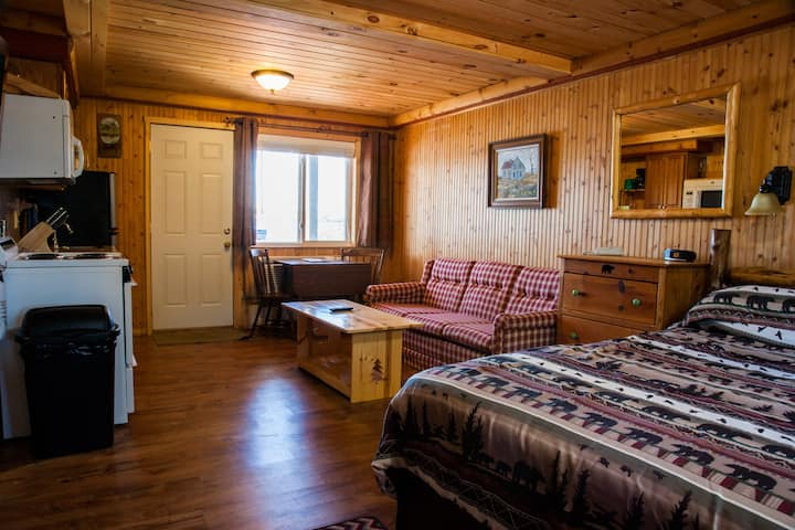 Room 4 - The Homestead - Curriers Lakeview Lodge