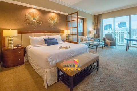 NO RESORT FEE★ High Floor Balcony Strip View Suite ★FREE VALET