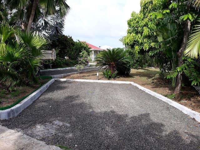 Parking privé pour les 2 bungalows