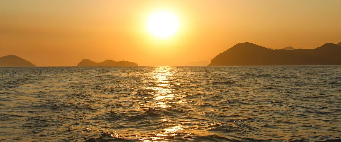 Por-do-sol de Boiçucanga