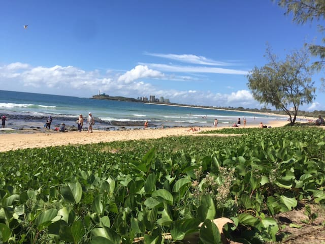 Large 3 Bedroom Unit, in the Heart of Mooloolaba