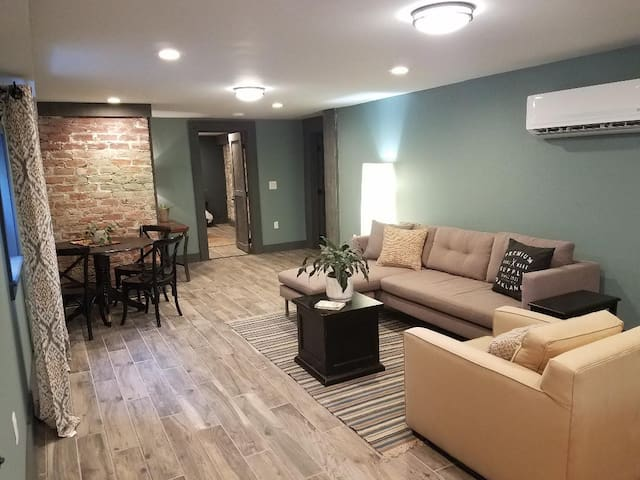 Festival Central - Renovated 2BR off Esplanade Ave