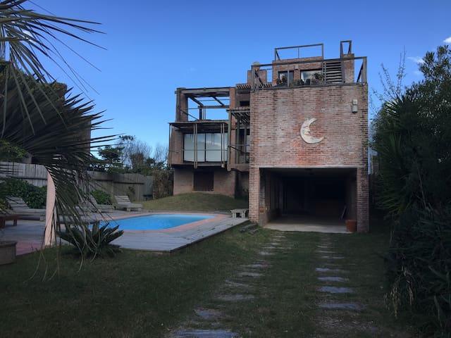 Casa única en el mar de La Pedrera. Beach house