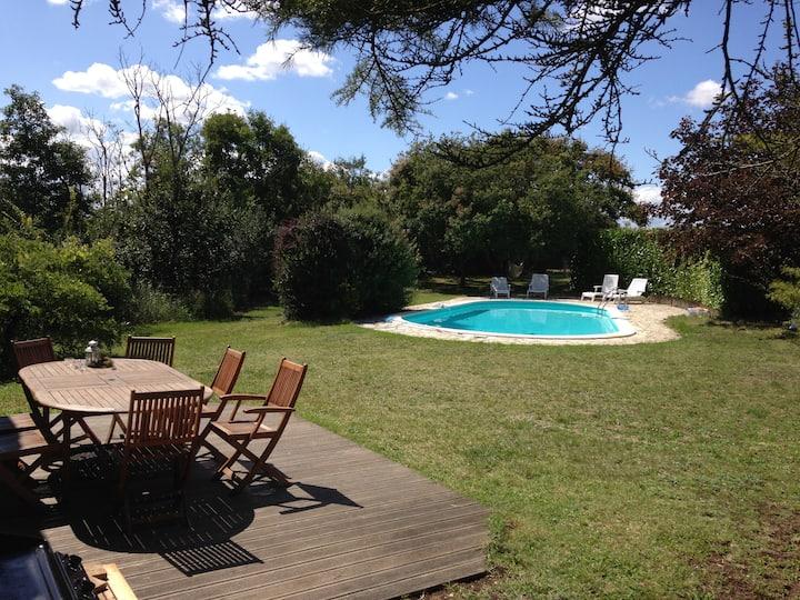 Maison de caractère, piscine privative à Lauzerte
