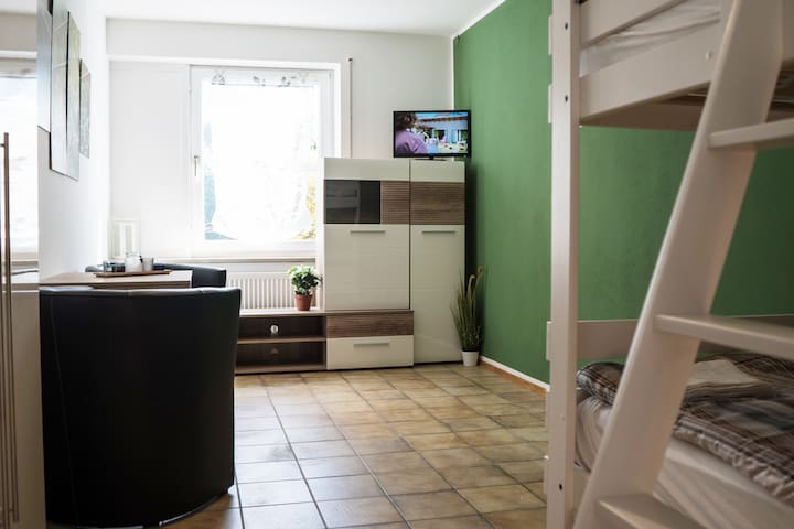 I03a Cozy apartment with 6 separate bedrooms and free WiFi in Gaimersheim near Ingolstadt