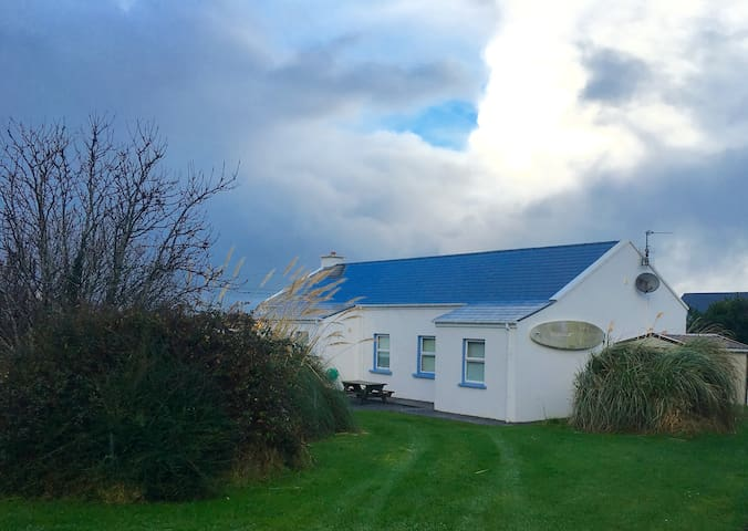 Muklaghbeg Cottage Castlegregory - Kerry - House