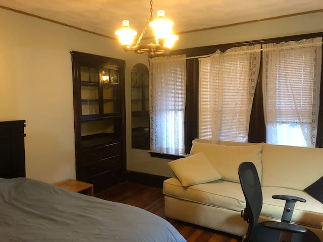 Large Bright bedroom near T in Newton