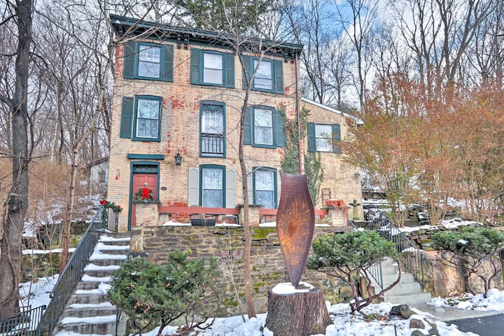 NEW! Charming Getaway < 1 Mi to Dtwn Lambertville!