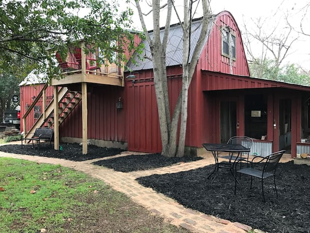 Red Rooster Barn