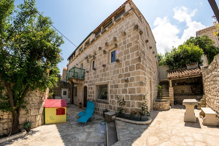 Baroque style old stone house - Korčula - Huis