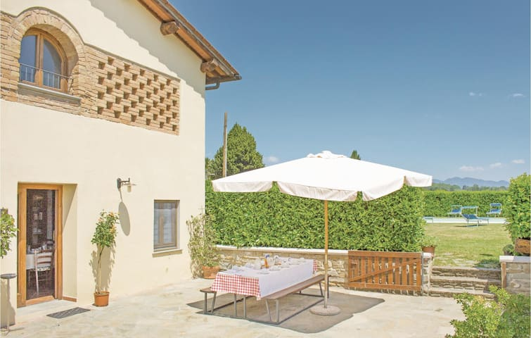 Holiday cottage with 5 bedrooms on 180 m² in Borgo San Lorenzo FI