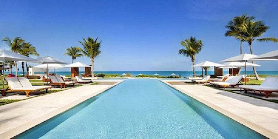 Great Value for a Luxury Condo on Grace Bay - 6A