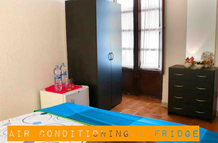 Room  PALMA3 PLAZA SPAIN + AIR CONDITIONING