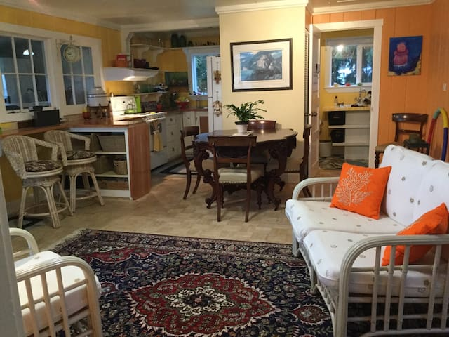 Heron Cottage - Qualicum Beach - Ξυλόσπιτο