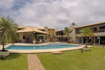 Maravilhoso Village em Itacimirim a 100m da Praia
