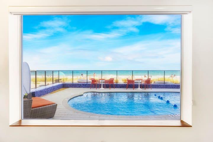 The Key Suite at Ocean Treasure Beachside Suites