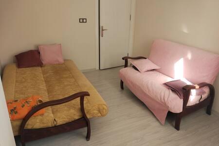 Manisa'da Uygun Fiyatlı ve Temiz Kiralık Oda günlü