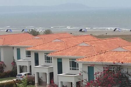 Casa de Playa descanso, confort y diversión