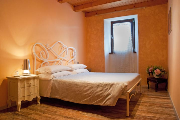 CAMERA FUOCO - RONCOLA - Bed & Breakfast