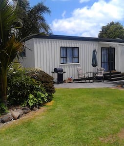 Kerikeri Cottage and Pool - Haus