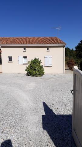 Pavillon 140 m2 avec parking privé