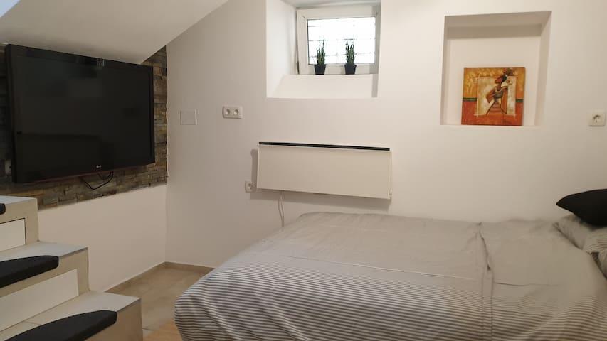 CUTE MODERN studio apartment