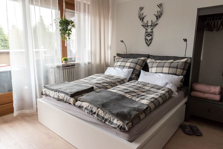 Cosy Apartment Heimelig im Hirschen with Mountain View, Wi-Fi, Balcony, Pool & Sauna; Parking Available, Pets Allowed upon Request