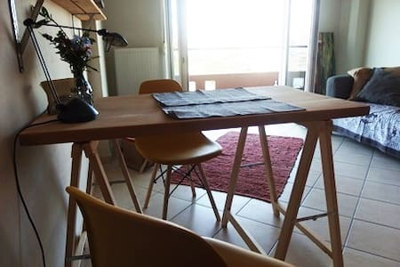 Sunny apartment cloce to center of Thessaloniki
