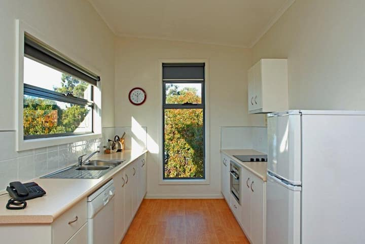 Ocean View Cottage Single night stay
