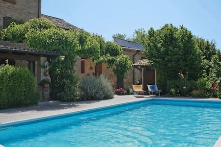 Spacious Villa in Pollenza Marche with Swimming Pool
