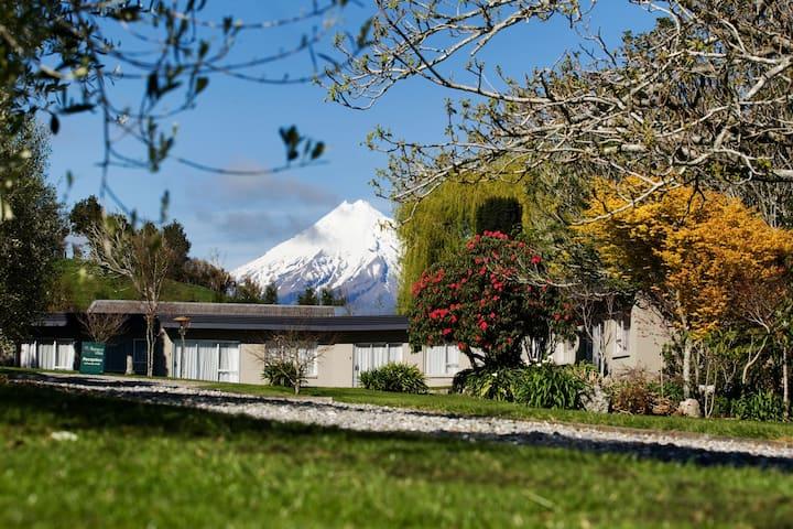 A Quiet Studio Ratanui - Economical and Tranquil