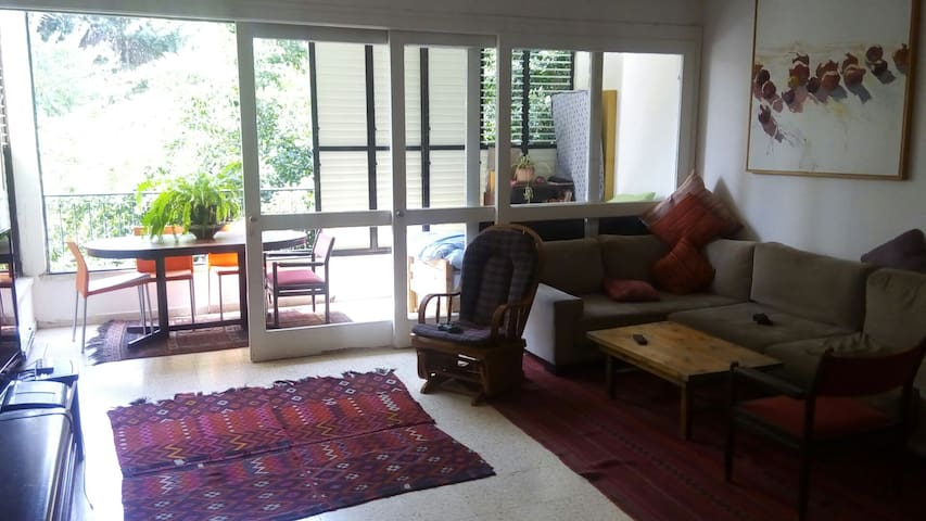 2 br spacious & quite apartment full of light - Tel Aviv-Yafo - Casa