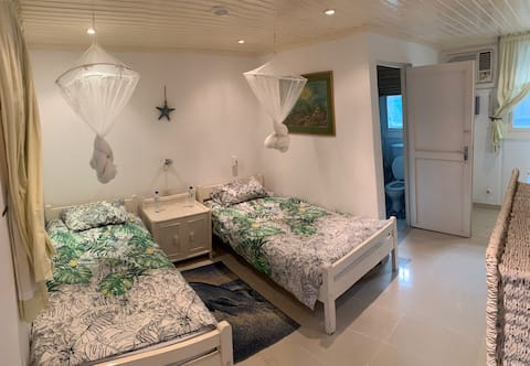 Bangue Room - Roriz Guest House