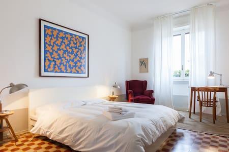 Sunny flat in Città Studi - Milan