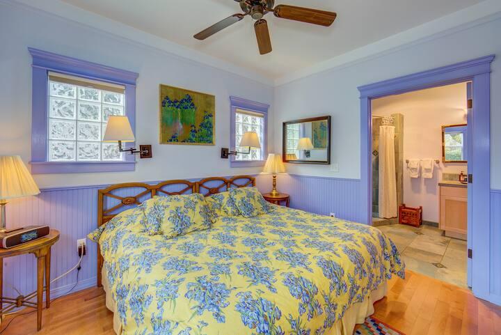 Iris Suite at Carlisle Garden Suites
