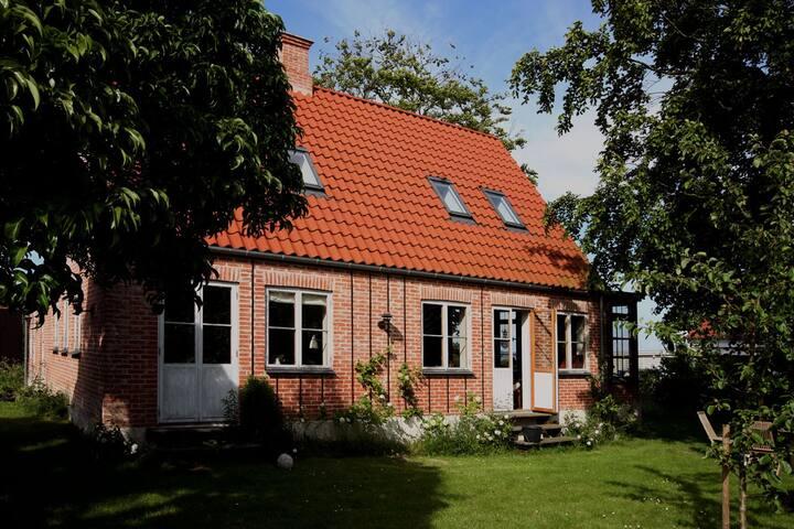 Spacious house in village, sea veiw