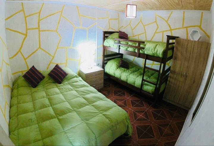 Linda habitación Privada para 3 o 4 personas.