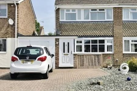 3 Bed family adventure base in Cricklade